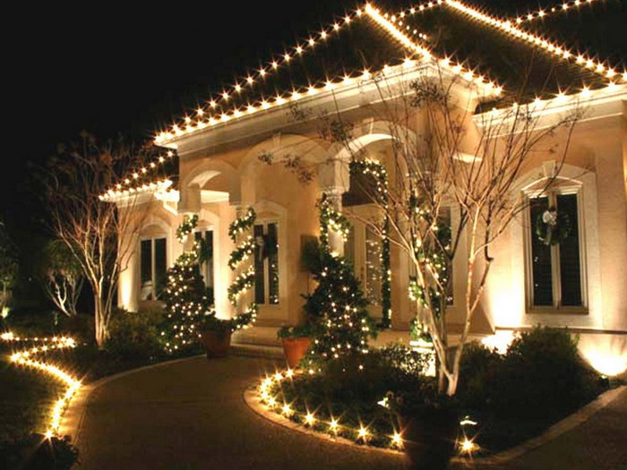 deck the halls without damaging your roof - Best Christmas Decorations